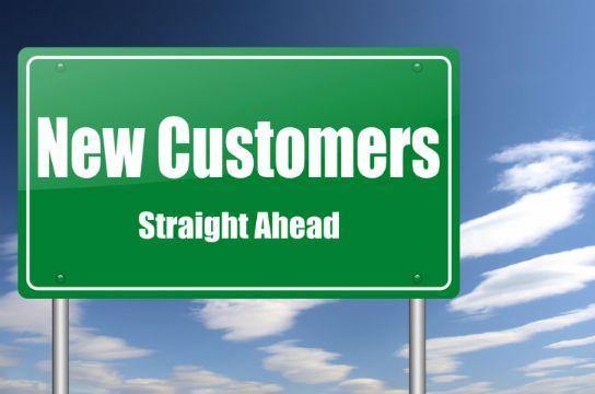 online marketing builds customers